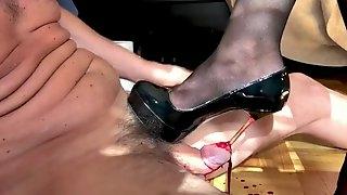 Heels cock insertion