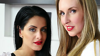 Alex Black & Jenny Simons in Weapons of Seduction with Alex Black and Jenny Simons - StockingsVR