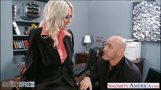 Young employee fucks mature lady boss Emma Starr right on the table