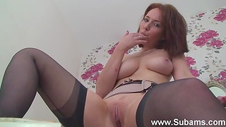Foxy redhead Ellie Rose plays fro nice tits and a horny cunt