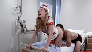 Kinky pains Alexa Grace spreads her legs close to be defeated and dicked