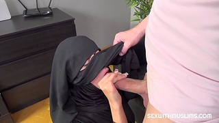 Woman anent Niqab pleases their way husband