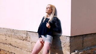 Quickie fucking in outdoors with bushwa itchy blondie Tereza