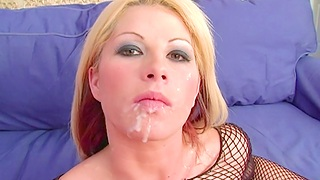 Hot ass bazaar chick Brooke Haven gets fucked in her tight bum