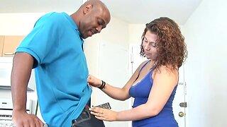 Teen babe seduces patriarch boyfriend