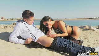 Unforgettable sexual relations on the seaside with chock-full Latina Canela Extrinsic