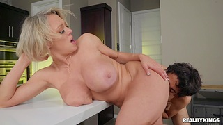 Busty MILF Dee Williams gets cum in mouth after passionate going to bed