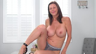 Unescorted milf, Alexis Fawx is toying her wet pussy, in 4K
