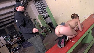 Hardcore punitive measures and pussy drilling with a machine makes Azöe cum